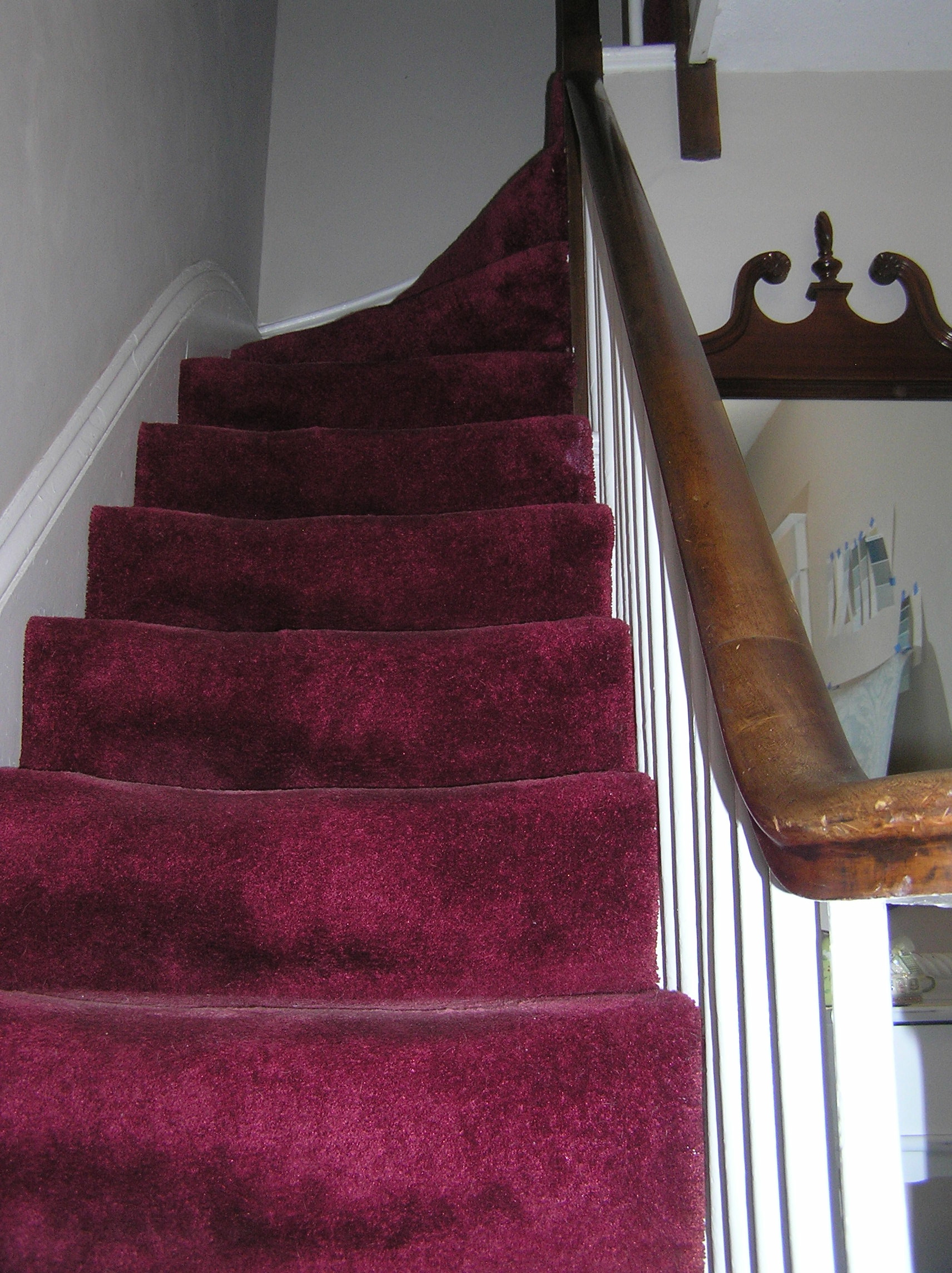 What Color Paint Goes With Burgundy Carpet Vidalondon