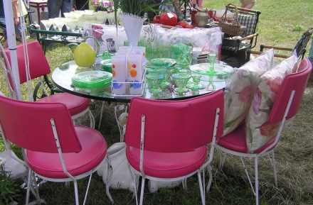 Excentrique Pink Chairs