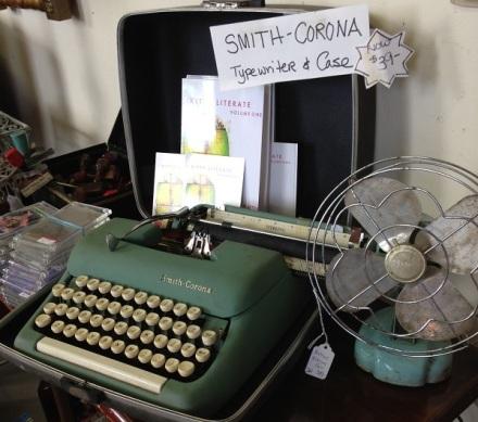 Gallery 2 Vintage Typewriter
