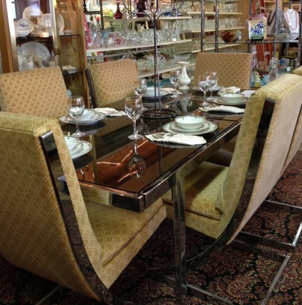 Remarkables Dining Set