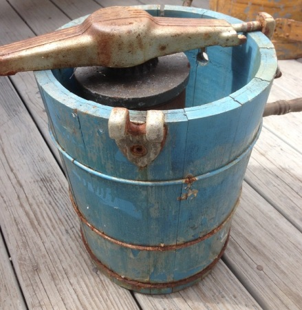 Vintage Aqua Ice Cream Maker