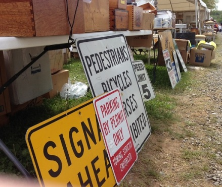Brimfield Signs Parking