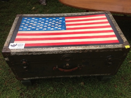 Flea Flag Trunk