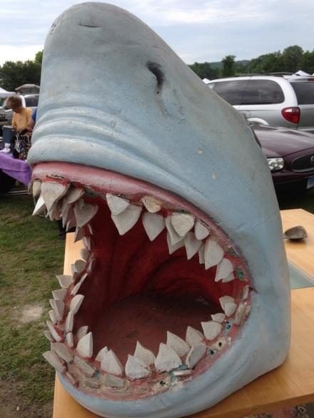 Flea Jaws