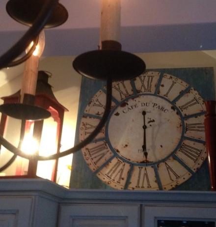 CDH Kitchen Clock