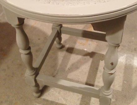 Annie Sloan French Linen Paint- 2 coats legs