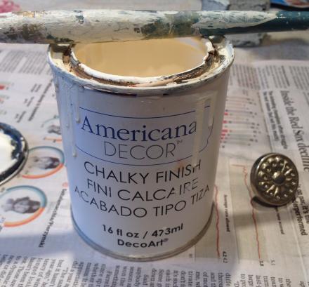 Coastal Kitchen Cupboard Chalky Paint for Knob Americana