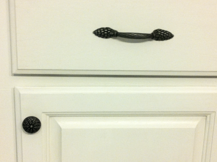 Kitchen Cabinet Hardware Installed