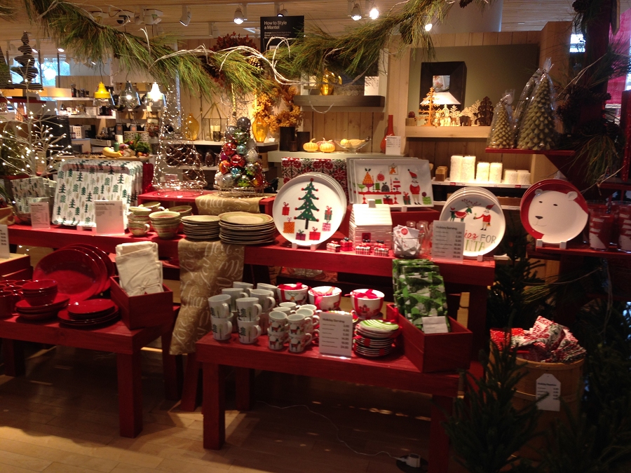 crate barrel holiday dinnerware display - Crate And Barrel Christmas Decorations