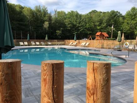 Huttopia Pool Side