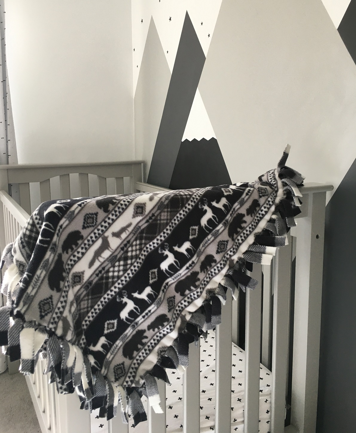 Black and white fleece throw